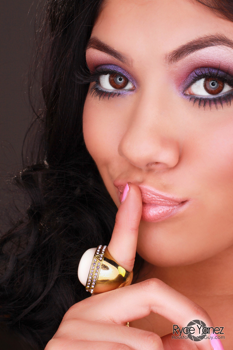 Airbrush Makeup, Boudoir Photography, Portrait Studio, Hairstyling